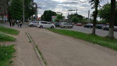 В Смоленске неработающий светофор осложнил движение на одной из улиц