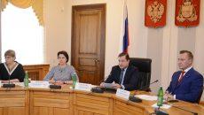 Алексей Островский потребовал у глав районов Смоленщины взять проведение ЕГЭ под личный контроль