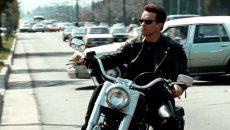 Смолянка поблагодарила «терминатора» на мотоцикле