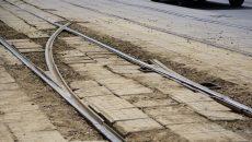 В Смоленске монтируют трамвайную стрелку для вагонов-«челноков»