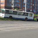 https://smolensk-i.ru/auto/v-smolenske-trolleybus-vyiletel-s-dorogi-na-ulitse-25-sentyabrya_285531
