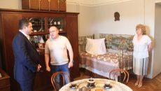 Алексей Островский поблагодарил волонтёров за новую экспозицию вяземского музея Неизвестного солдата