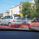 https://smolensk-i.ru/auto/v-smolenske-dtp-s-kalinoy-sozdalo-zator-na-prospekte_288616