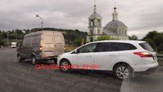 В Смоленске ДТП с «Газелью» привело к пробке на мосту
