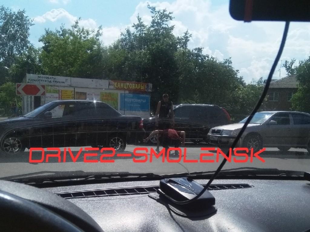 В Смоленске авария с легковыми авто создала «пробку» в Заднепровье