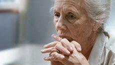 В Смоленске женщина жестоко избила мать фарфоровой тарелкой