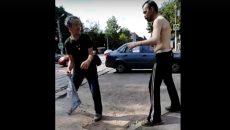 Жители Смоленска устроили драку на проезжей части дороги