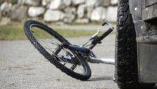 10-летний велосипедист попал в аварию под Смоленском