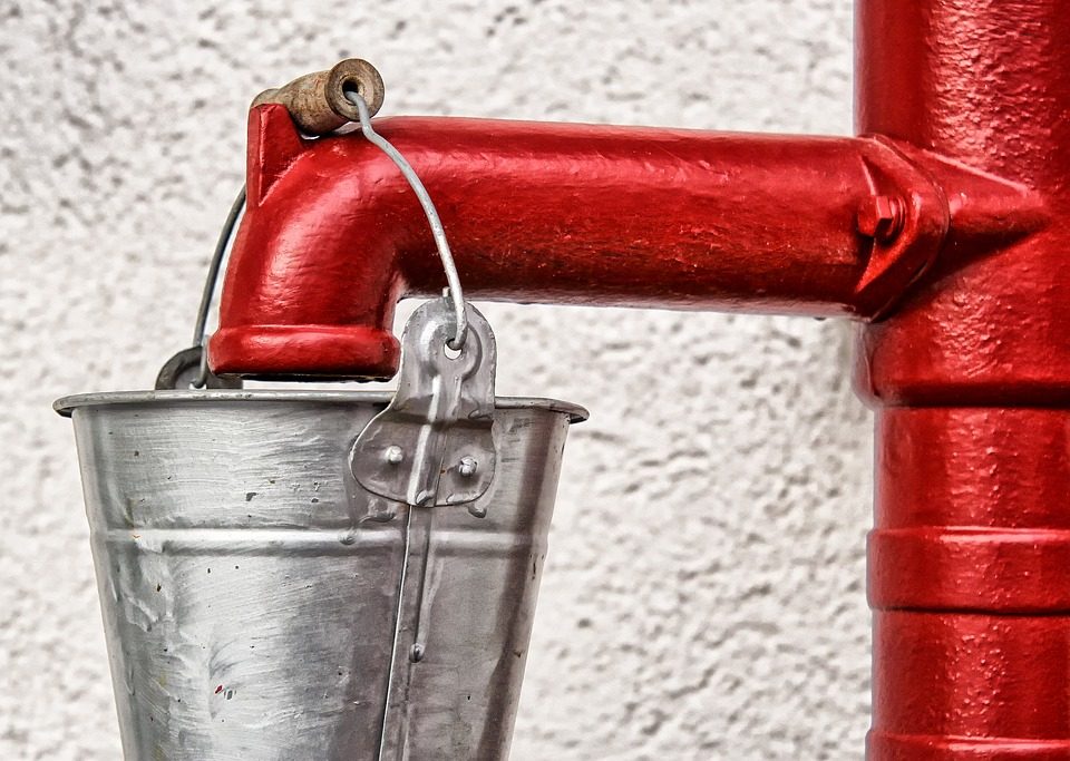 колонка, вода, ведро (фото vk.com)