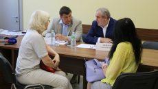 Сергей Неверов провёл в Смоленске приём граждан по личным вопросам