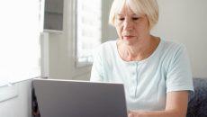 Смолянка-пенсионерка лишилась крупной суммы денег при трудоустройстве на работу