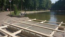 В Смоленске плавучую сцену начали монтировать в парке