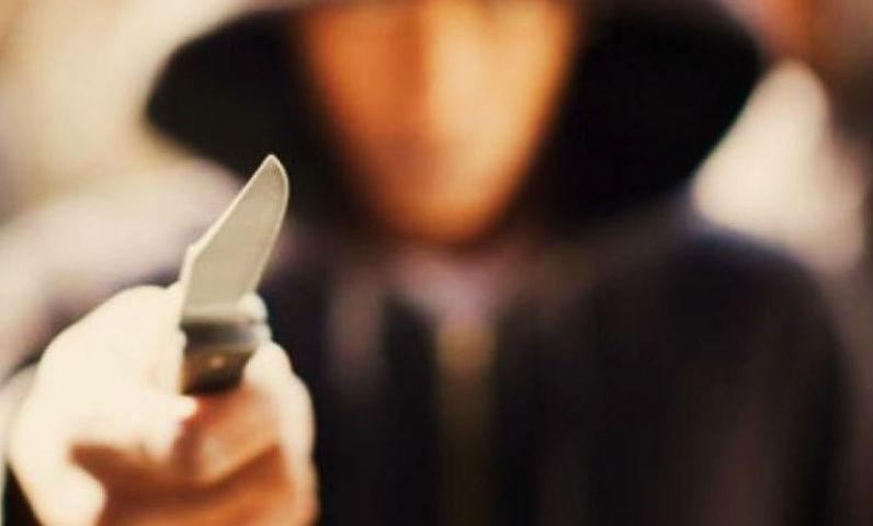 подросток нож