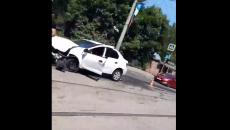 В Смоленске последствия жёсткого ДТП с «Логаном» сняли на видео