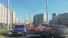 В Смоленске трамвай парализовал движение транспорта на Киселевке