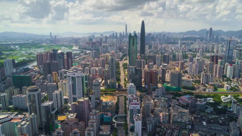 Смолянка погасила долги по кредиту, чтобы улететь на работу в Китай
