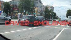 В Смоленске серьёзная авария создала затор длиной в два квартала
