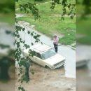 https://smolensk-i.ru/auto/pod-smolenskom-mashina-ushla-pod-zemlyu-posle-remonta-truboprovoda_292736
