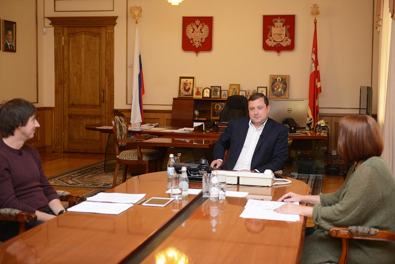 Алексей Островский предложил смолянам сообщать ему напрямую о городских проблемах