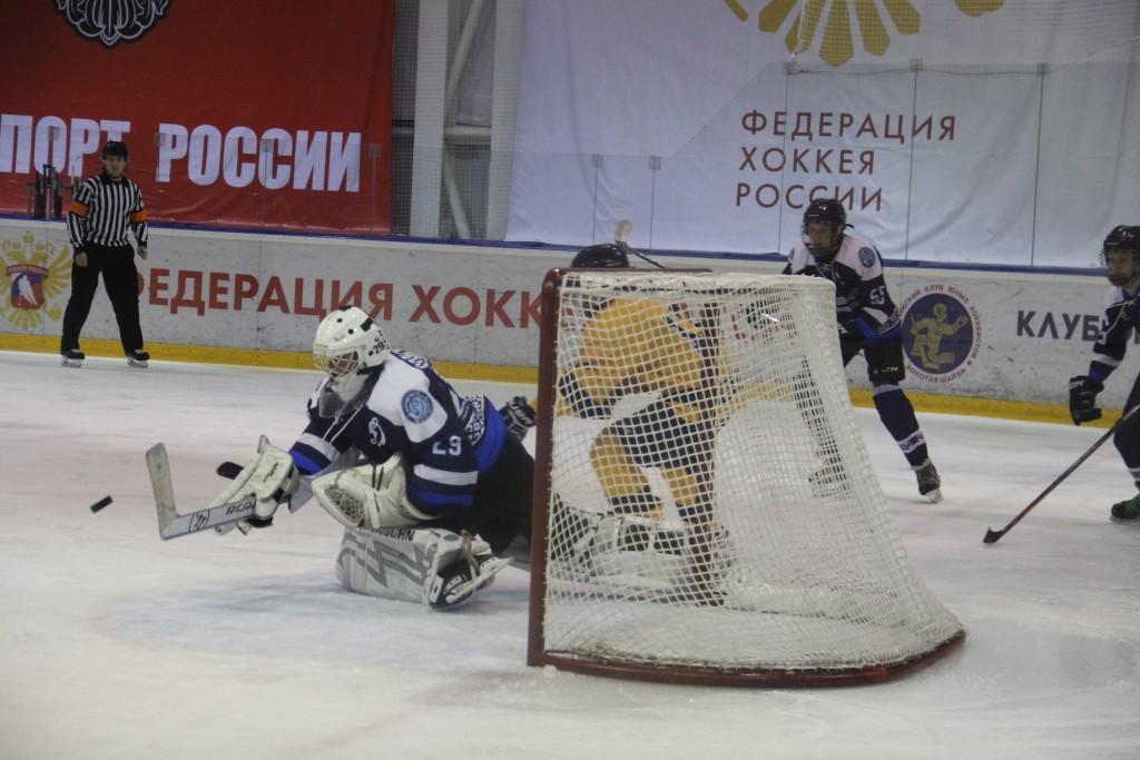 В Смоленске юные хоккеисты «Атланта» победили на турнире памяти Александра Степанова