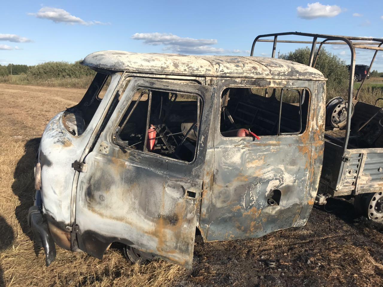 26.08.2019, пожар, трактор УАЗ Фермер, Починок_1 (фото 67mchs.gov.ru)