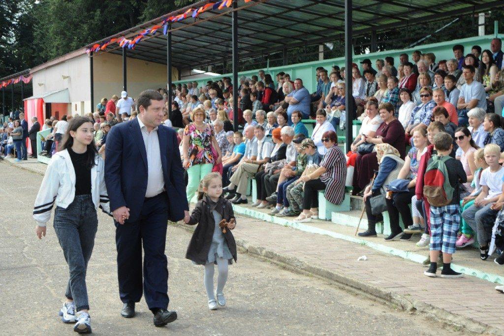 Алексея Островского поблагодарили за поддержку федеральных акций «Безопасность детства» и «Отцовский патруль»