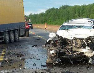 Полиция начала поиски свидетелей смертельного ДТП с фурой на трассе М-1 под Смоленском