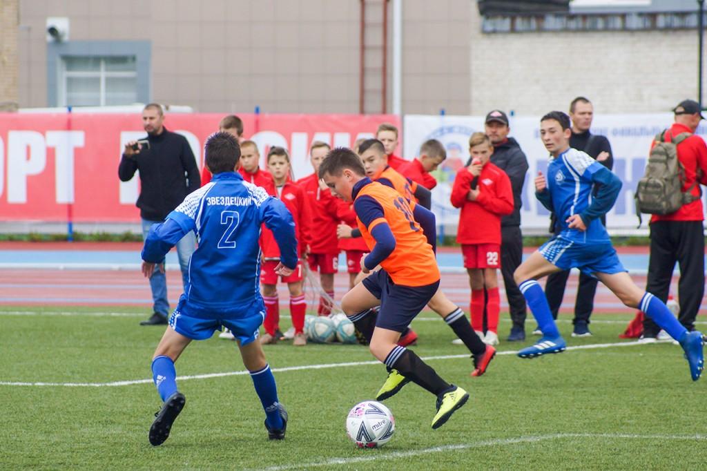 В Смоленске стартовал финал футбольного «Кожаного мяча»