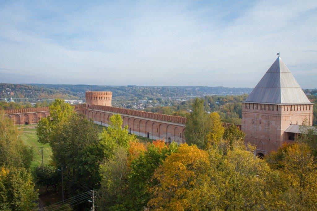 крепостная стена (фото vk.com-official_smolensk)