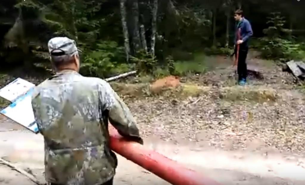 Неизвестные злоумышленники разгромили турстоянку в Смоленском поозерье