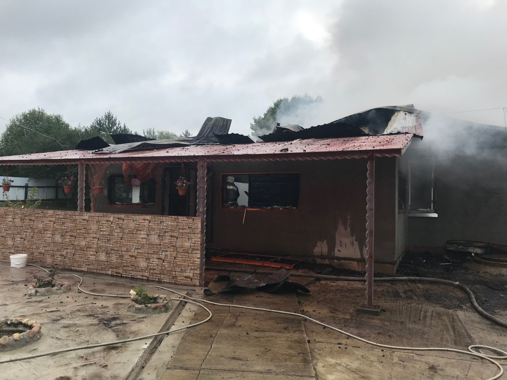пожар 15.08.2019, жилой дом, Митино (фото 67.mchs.gov.ru)_1