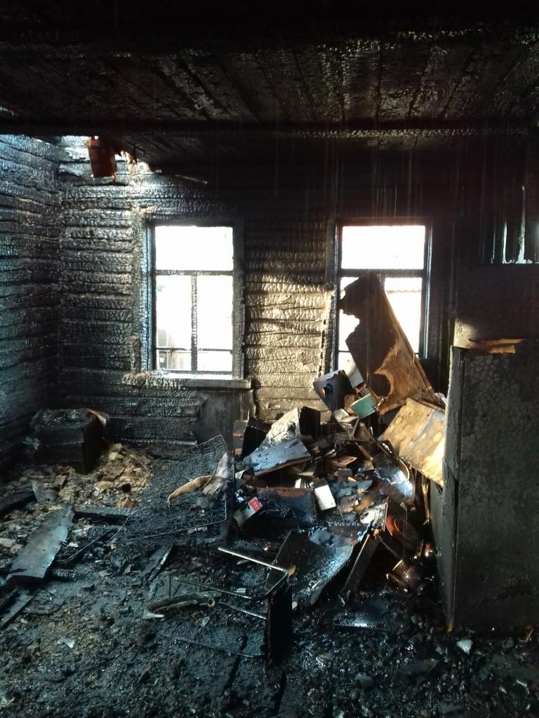 пожар 20.08.2019, Велиж, улица Коммунистическая_1 (фото 67.mchs.gov.ru)