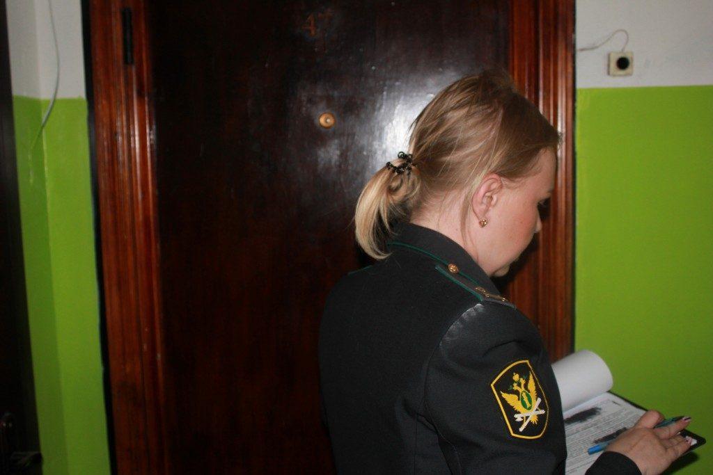 пристав (фото пресс-службы УФССП по Смоленской области)
