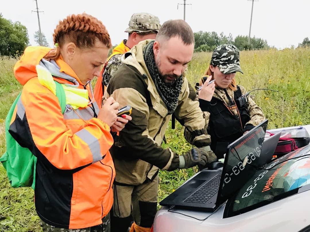 Смоленские волонтеры нашли пенсионерку с помощью мобильного телефона
