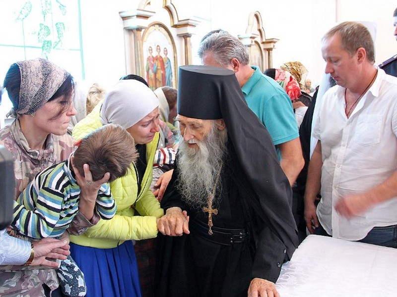 Духовник патриарха схиархимандрит Илий побеседовал с верующими смолянами