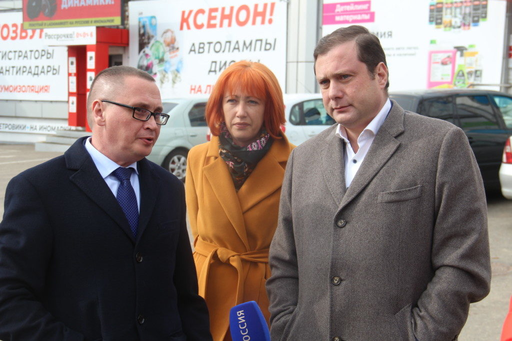 Алексей Островский поручил привести в порядок трамвайные пути на улице Шевченко в Смоленске