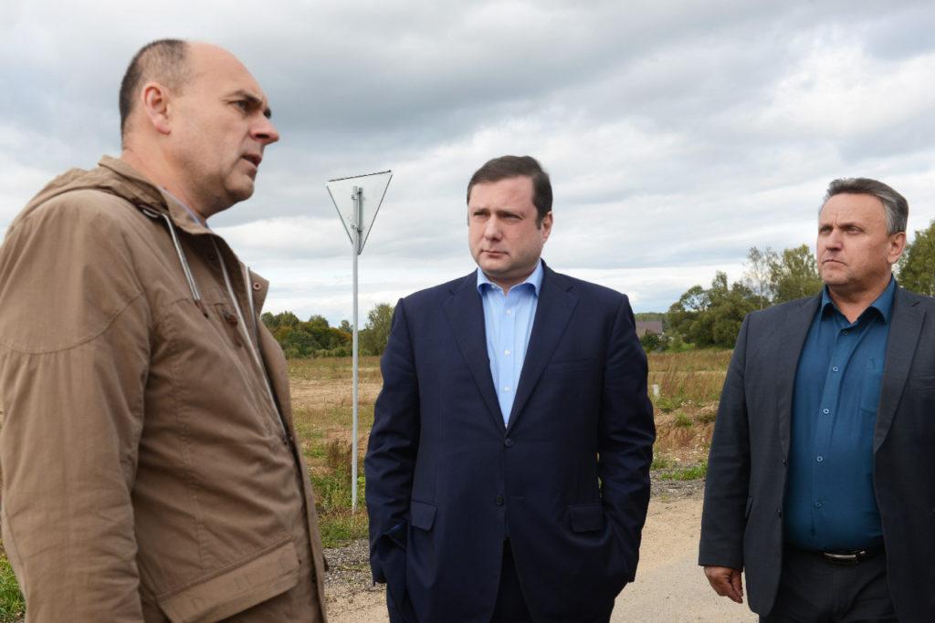 На ремонт дорог в Монастырщинском районе потратили более 200 миллионов рублей