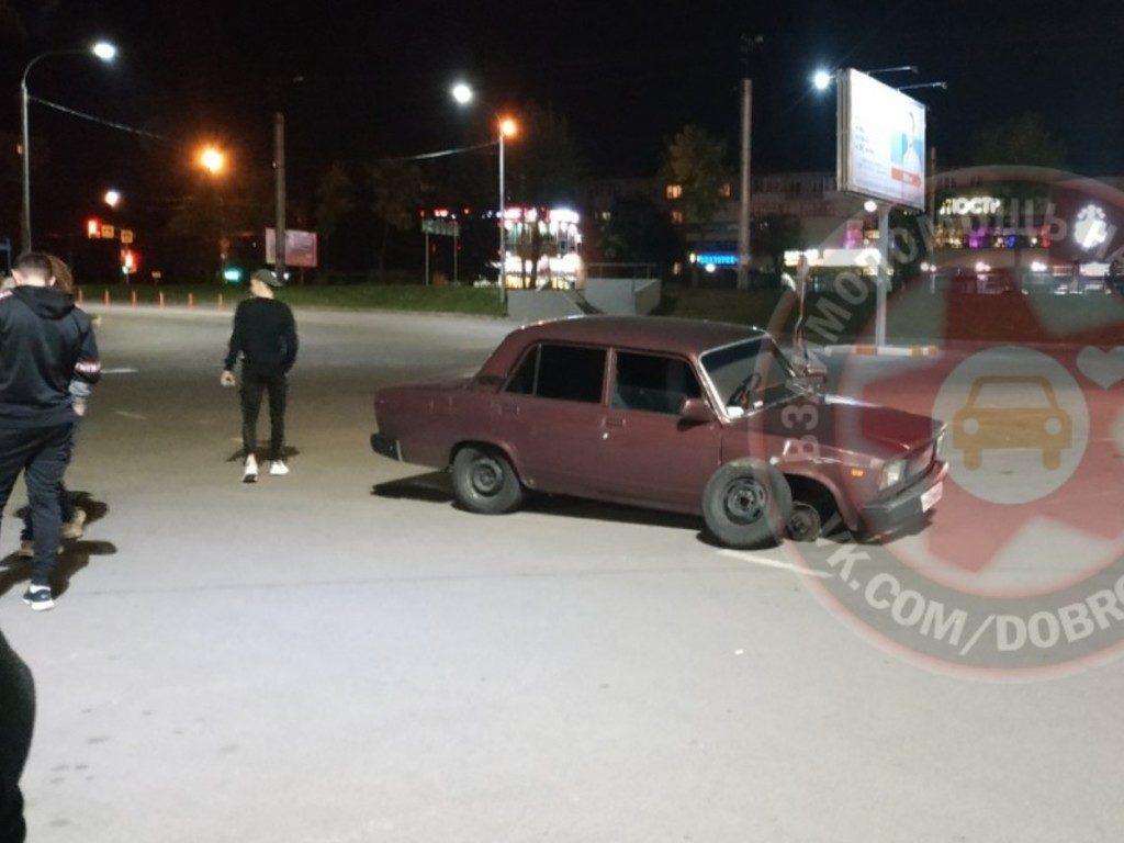 ДТП 12.09.2019, ВАЗ, дрифт, парковка, ТРЦ Макси