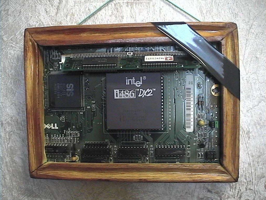 микропроцессор, Intel, материнская плата, компьютер (фото noutfor.narod.ru)