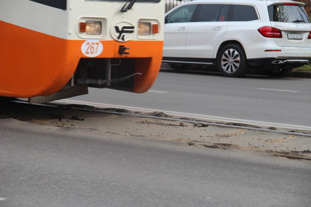 разбитые трамвайные пути 24.09.2019 на улице Шевченко_2