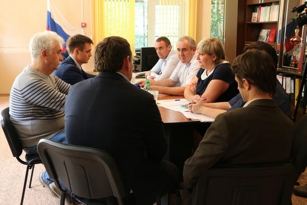 Сергей Неверов решил проблему с очистными сооружениями сразу в двух поселениях Смоленского района