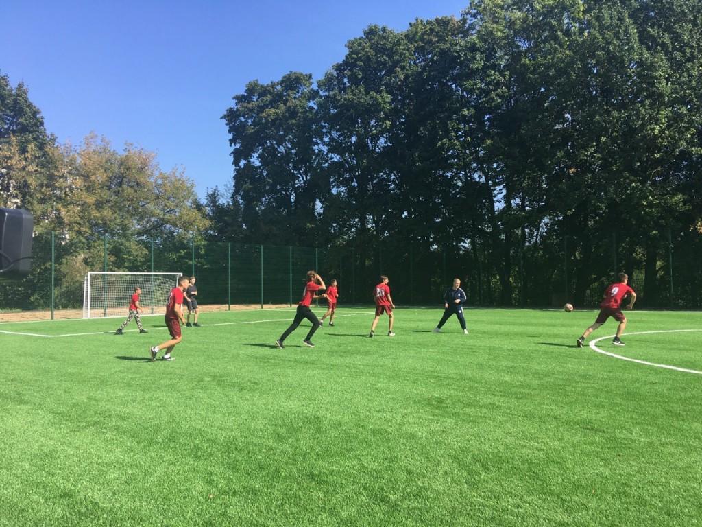 В Смоленске открыли новый школьный стадион