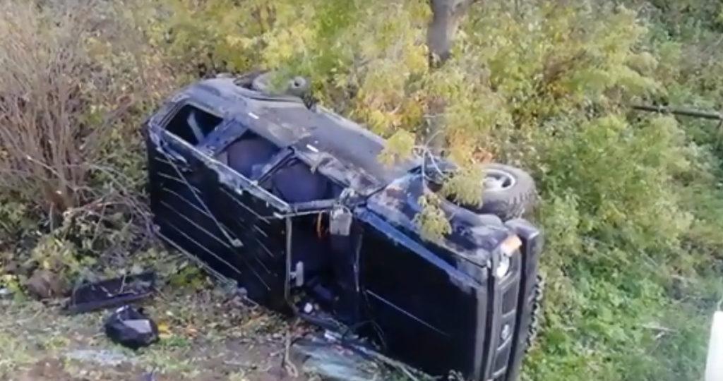 Появилось видео аварии с «перевертышем» на Витебском шоссе в Смоленске