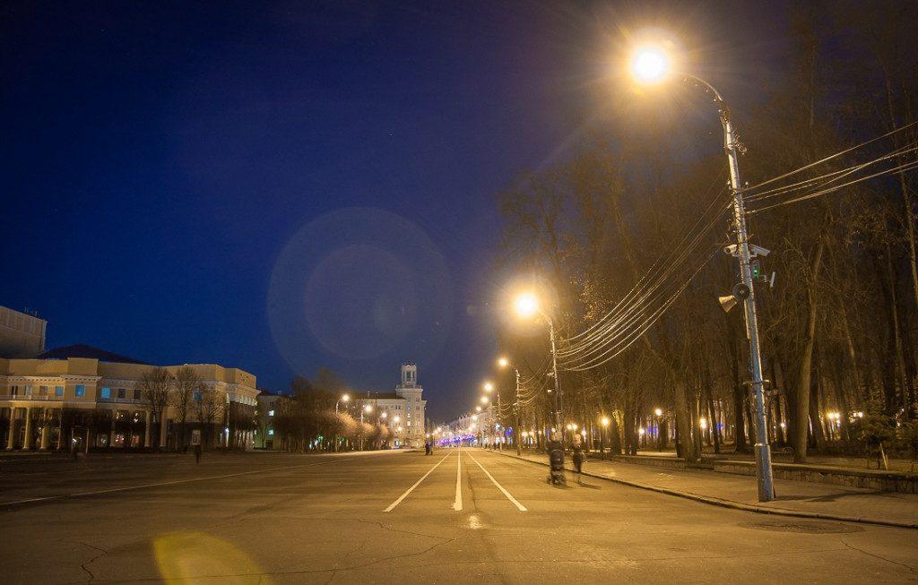 ploshhad-lenina-osen-2019-goda-ulichnoe-osveshhenie-fonari-foto-vk.com-official_smolensk