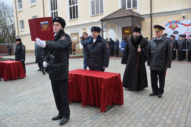В Смоленске «Лада» врезалась в столб и вылетела на «встречку»