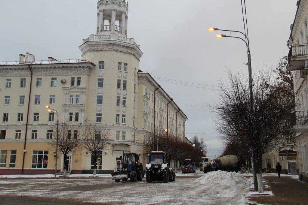 улица Ленина, уборка снега, СпецАвто, декабрь 2019_1