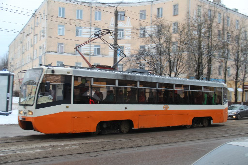 улица Николаева, трамвай, декабрь 2019 г.