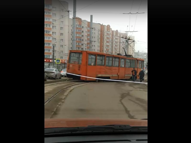 ДТП 18.01.2019, трамвай, Киселёвка, разворотное кольцо (кадр видео vk.com lilifam323)
