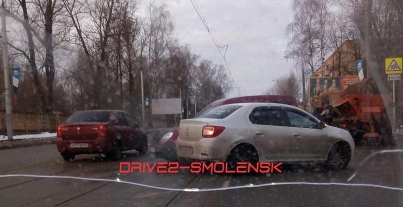 В Смоленске из-за ДТП приостановилось движение трамваев