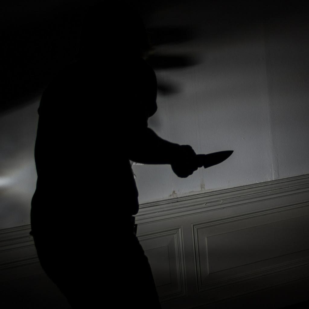 угроза убийством, нож